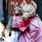 穴守稲荷神社(東京都大田区)のお狐様たち
