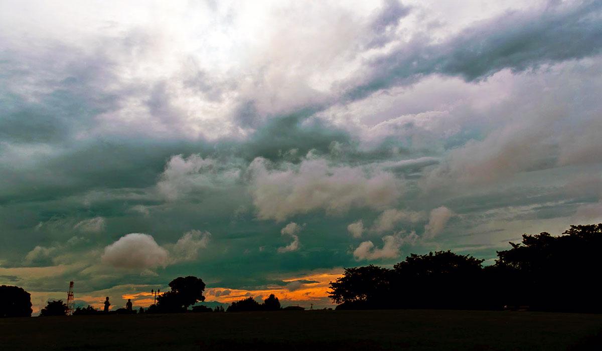 遠い空は赤い|リキラボタイムス
