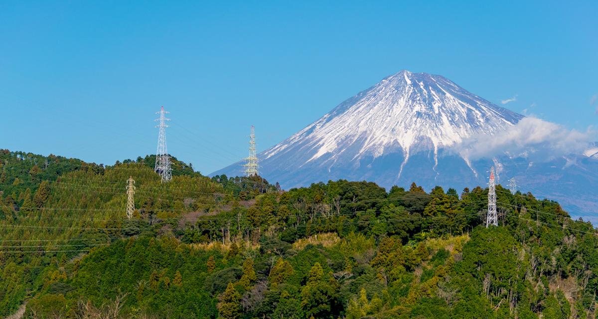 高圧線と富士山|リキマルラボ